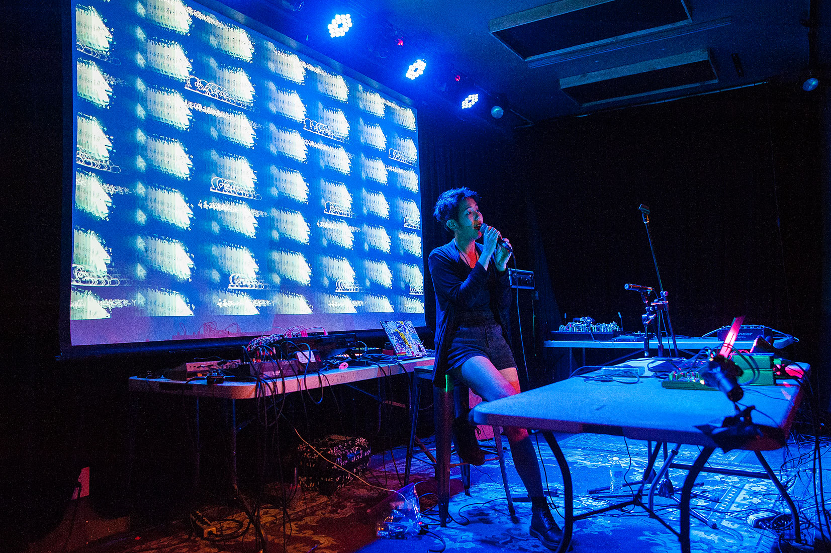 Azuria Sky  with visuals by dr!p