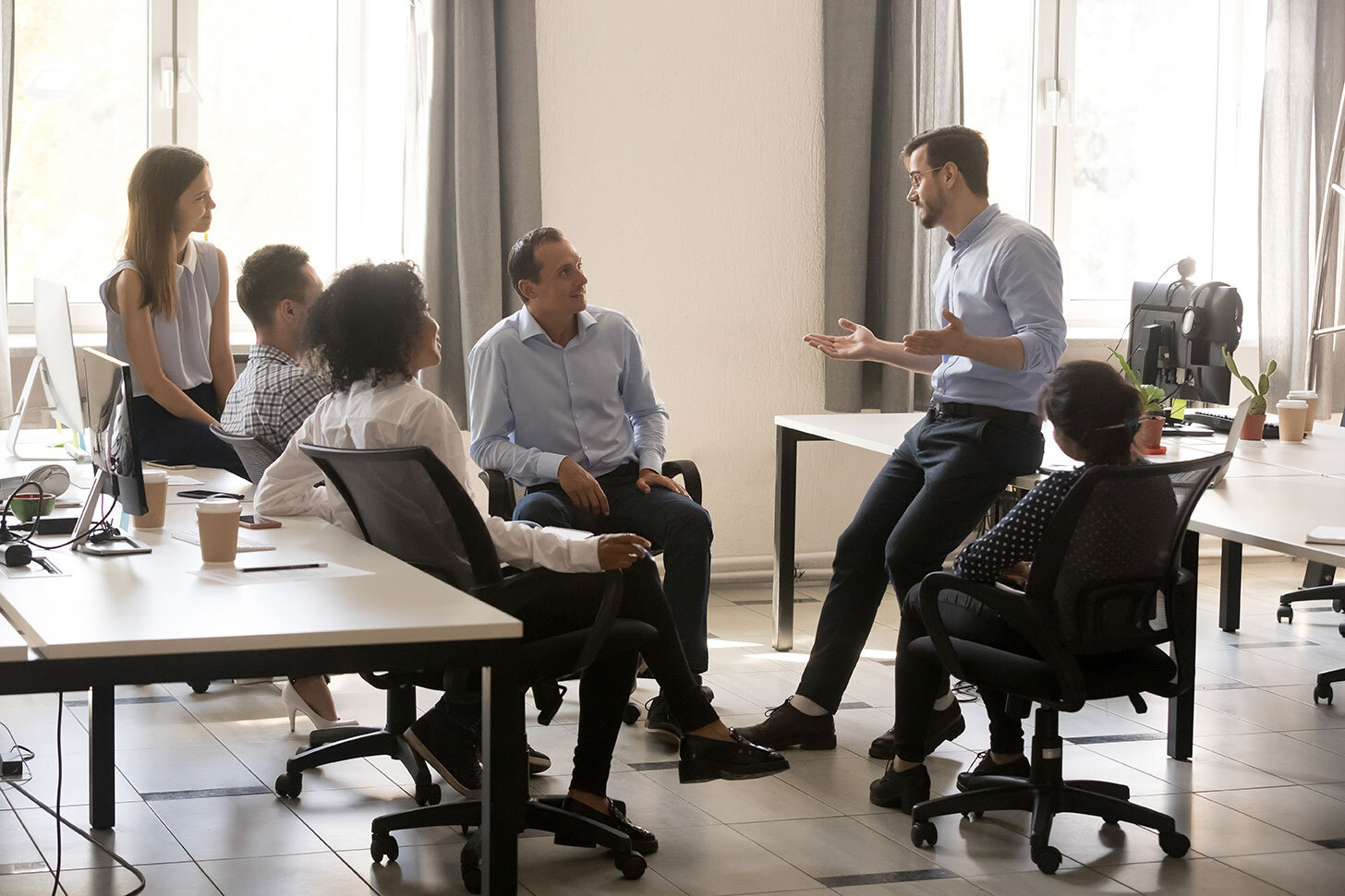 Build stronger teams by setting and achieving common goals. -