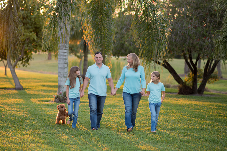 Palm-City-Family-Portrait-Yard.jpg