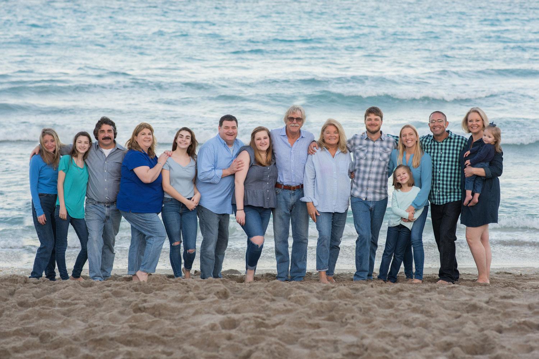 Extended-Family-Beach-Portrait-Hobe-Sound-Florida.jpg