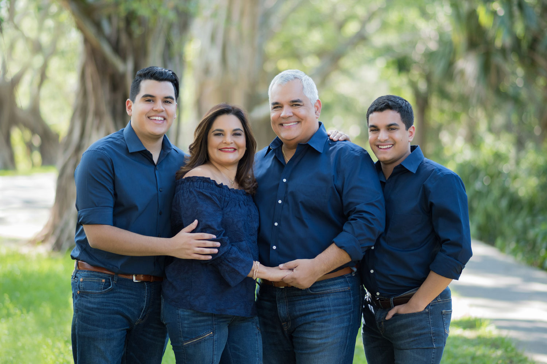 Diaz_Hobe-Sound-Family-Portrait.jpg