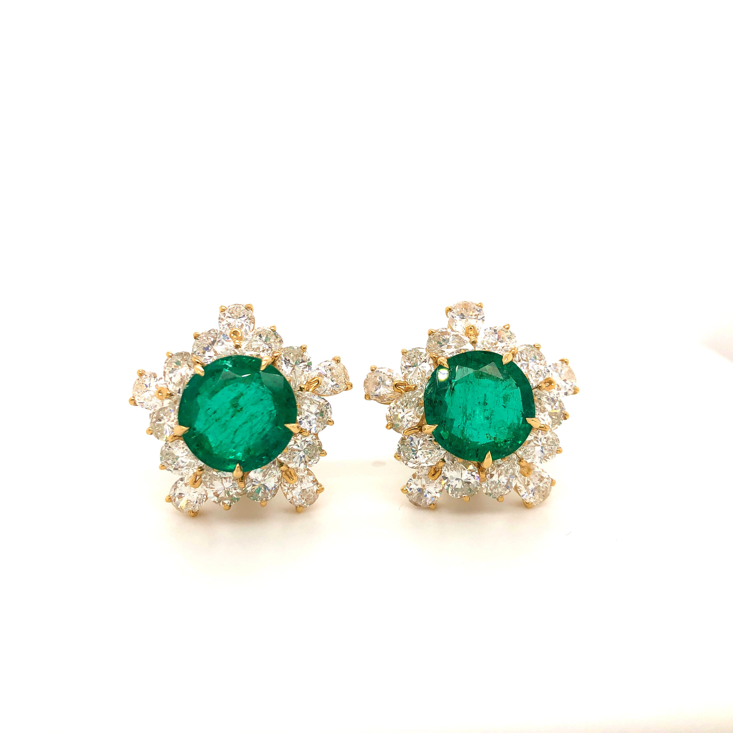 Important Emerald & Diamond Earrings, 18kt Yellow Gold & Platinum,  Bulgari   Est. US$ 95,000-110,000