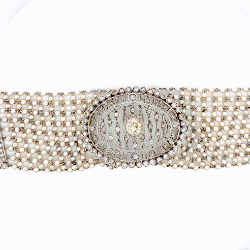 Vintage Cultured Pearl Choker Neclace with 2.0ct Diamond Center  Est. US$ 15,000-20,000