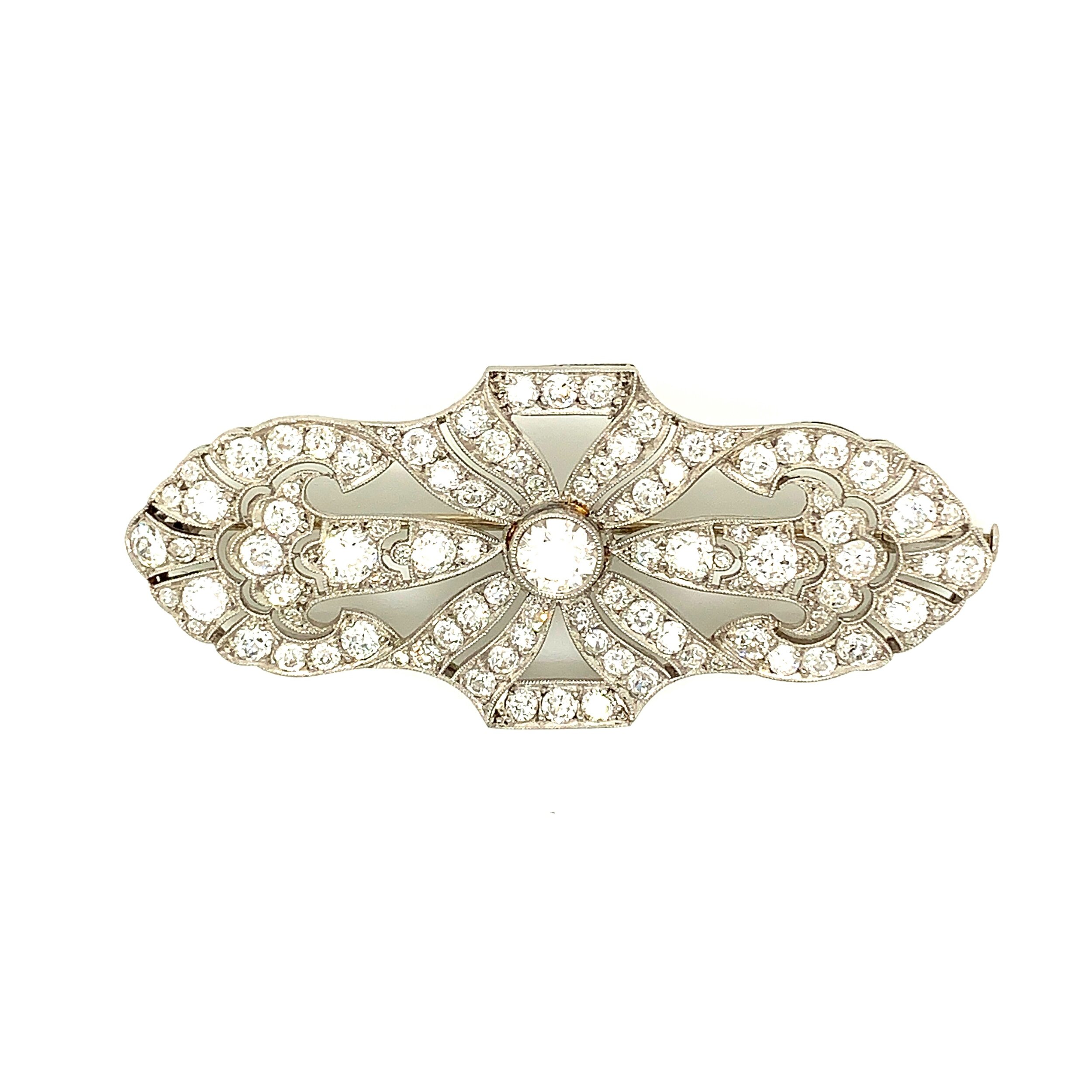 4.8ct Diamond French Deco Brooch set in Platinum  Est. US$ 2,500-3,000
