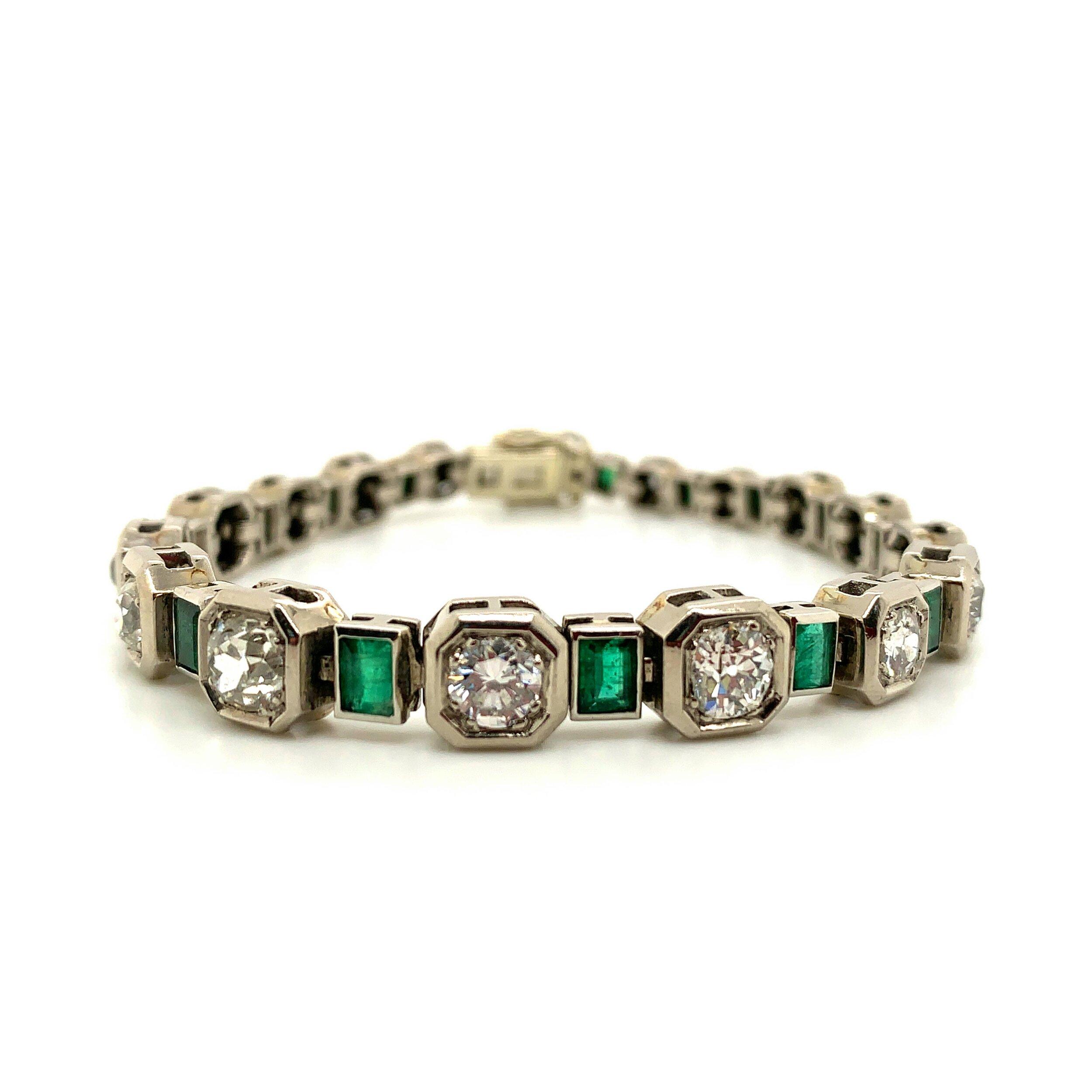 Emerald and Diamond Bracelet   Est. US$ 10,000-12,000