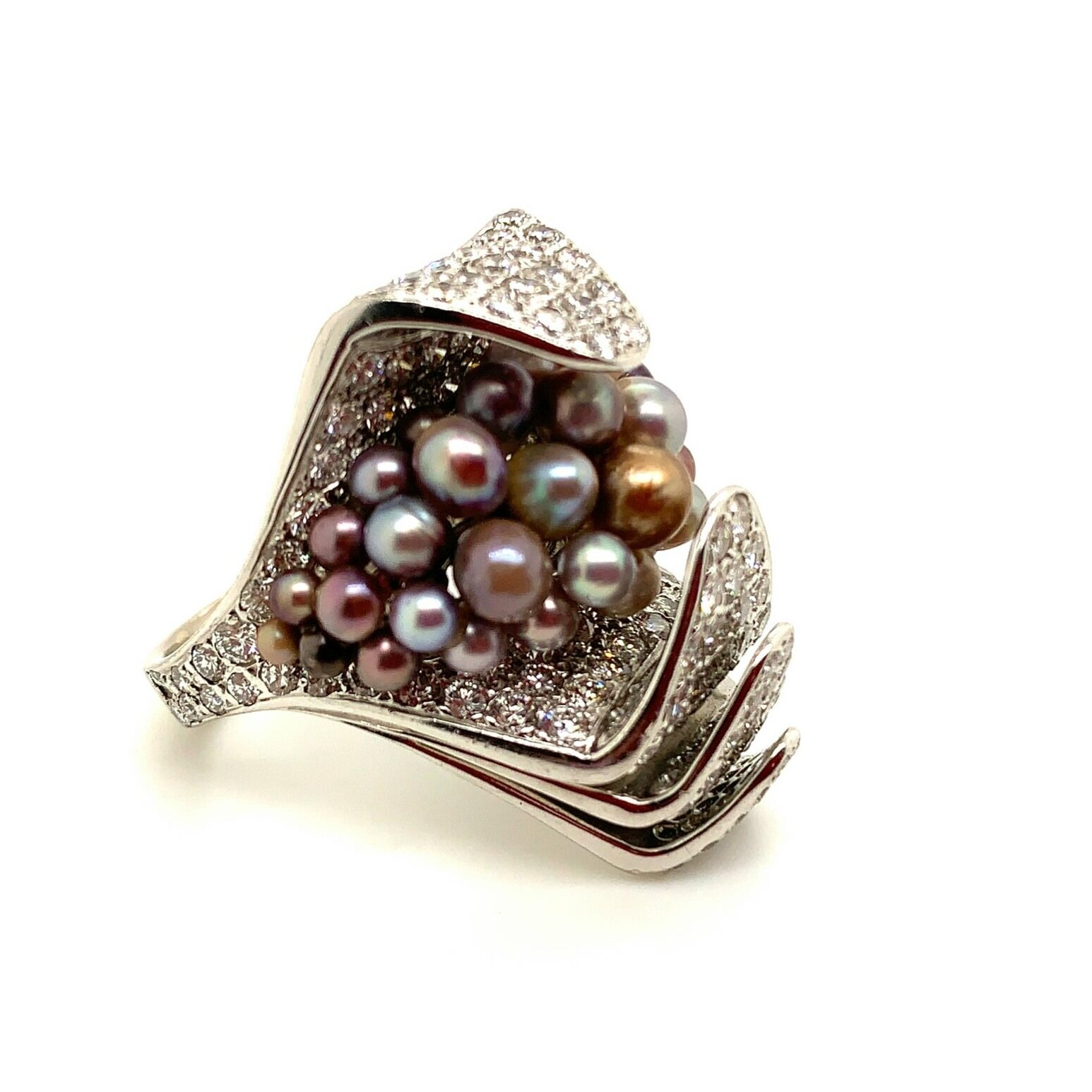 18K WG Natural Color Natural Pearl and Diamond Ring   Est. US$ 10,000-12,000