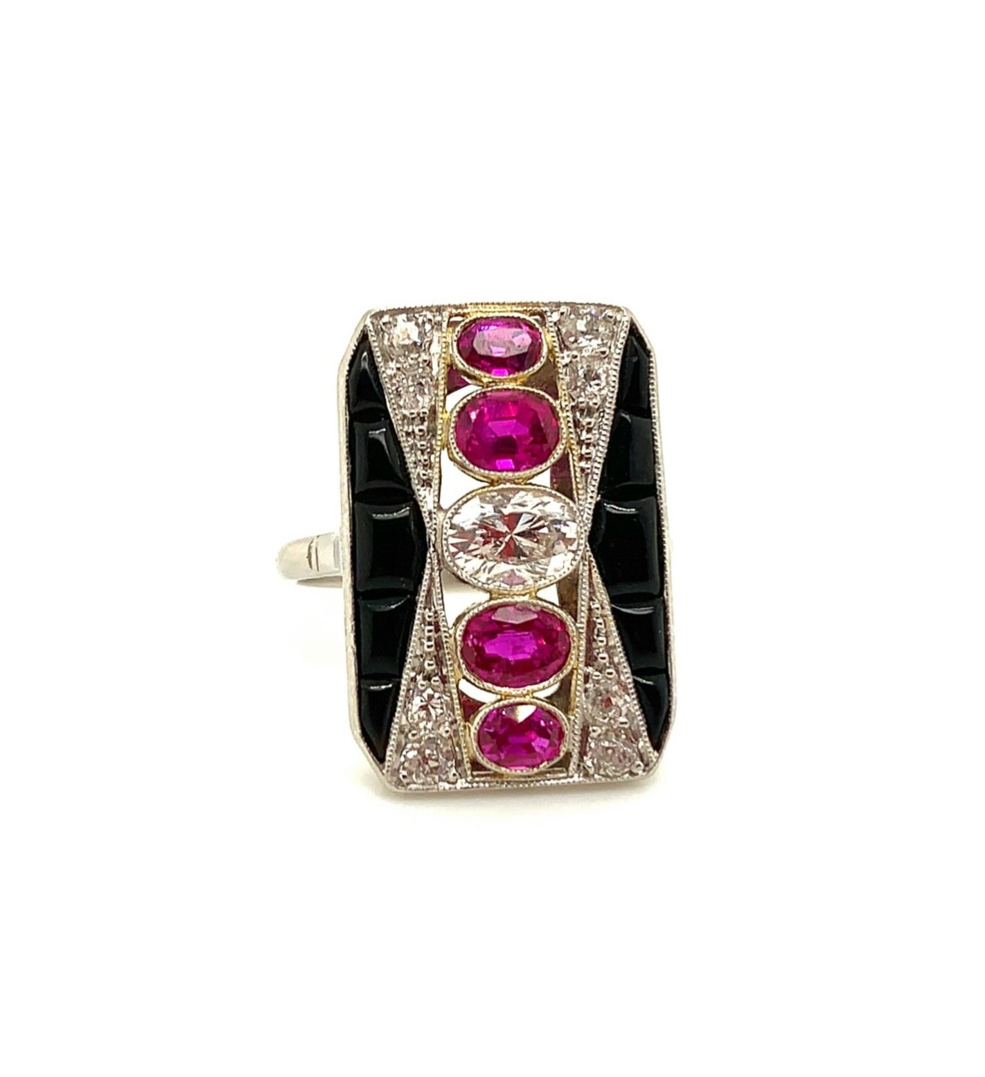 Art Deco Ruby, Diamond, and Onyx Ring   Est. US$ 4,500-5,500