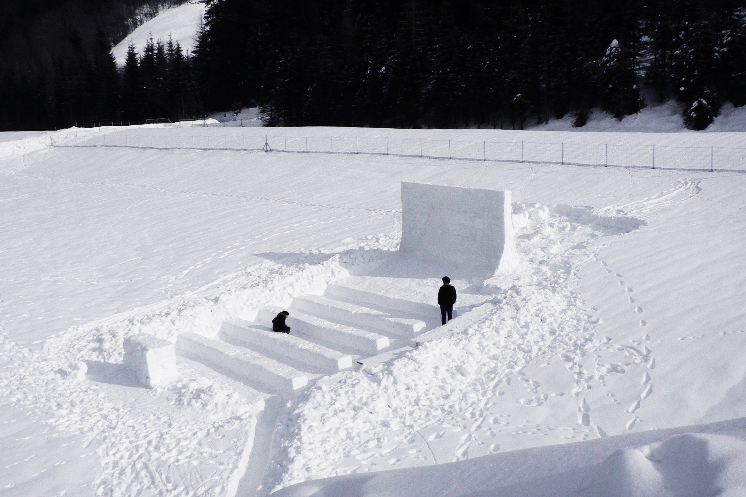The inaugural  m20d  event was originally conceived as an excuse to play and experiment with snow. With the initial vision of projecting onto snow, a snow cinema was created. It quickly turned into a short film festival featuring a selection of works by a set of internationally acclaimed artists.