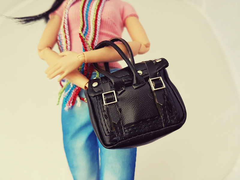 Top Three Must Have Purses - Barbie Accessories - Plastically Perfect 002.jpg