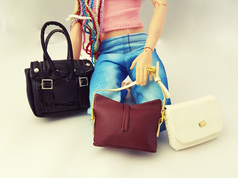 Top Three Must Have Purses - Barbie Accessories - Plastically Perfect 001.jpg