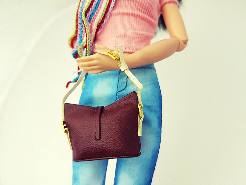 Top Three Must Have Purses - Barbie Accessories - Plastically Perfect 003.jpg