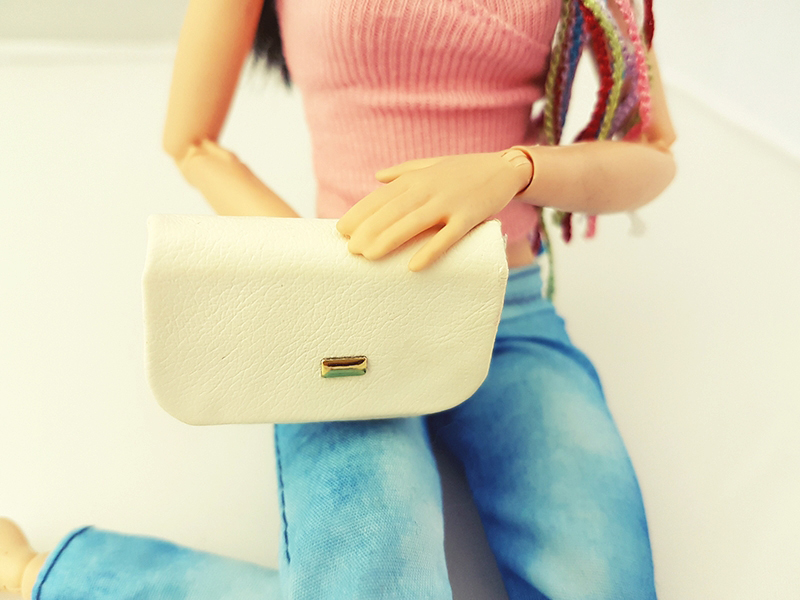 Top Three Must Have Purses - Barbie Accessories - Plastically Perfect 004.jpg