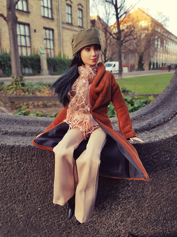 OOAK Made to Move Black Hair Barbie, Eve, Plastically Perfect - OOTD Casual Saturday 02.jpg