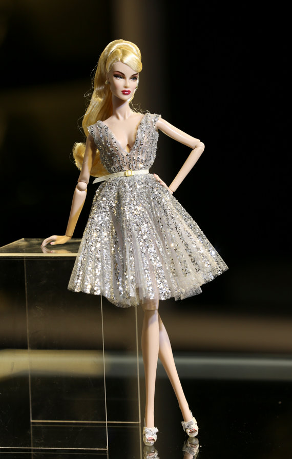 Beautiful Sparkly New Years Eve Dress Options - Plastically Perfect 01.jpg
