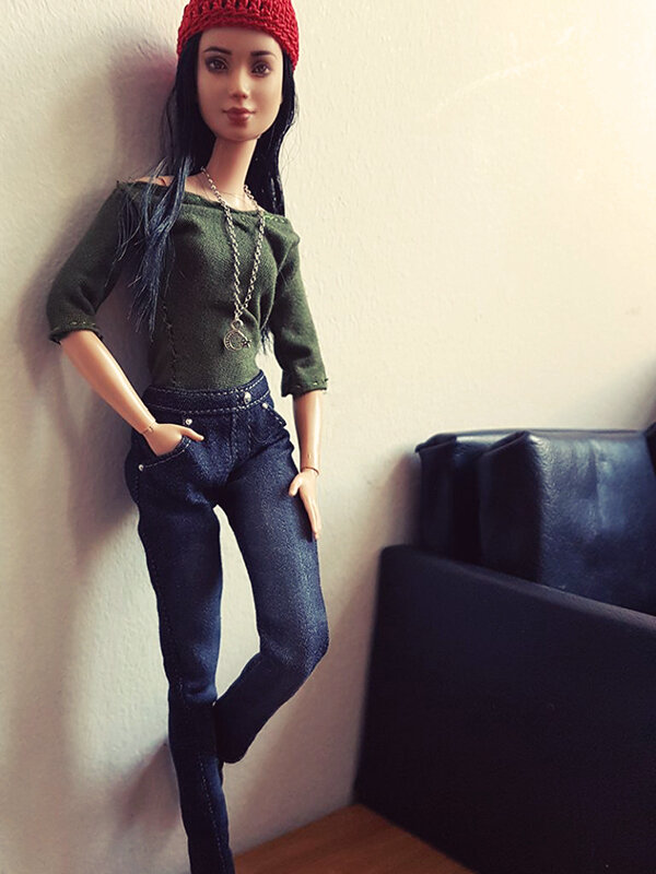 OOAK Made to Move Black Hair Barbie, Eve, Plastically Perfect - OOTD the Jeans 03.jpg