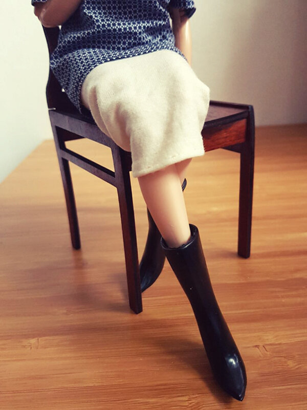 OOAK Made to Move Black Hair Barbie, Eve, Plastically Perfect - OOTD tall boots & pencil skirt 02.jpg