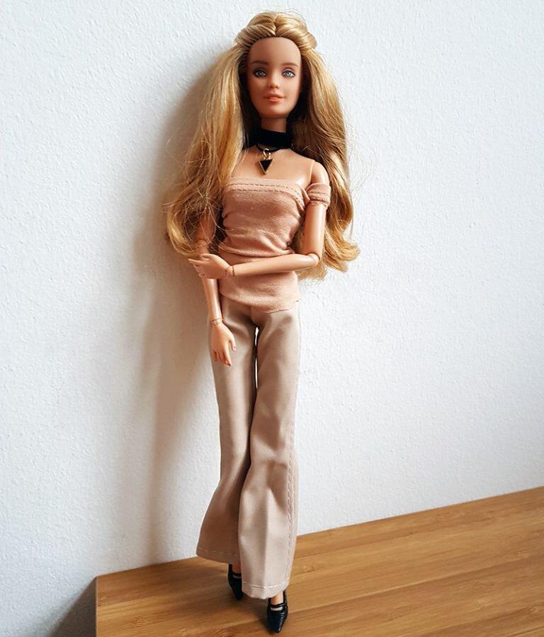 OOAK Fashionista Festival Barbie - Willow - Plastically Perfect - Post Repaint 01.jpg