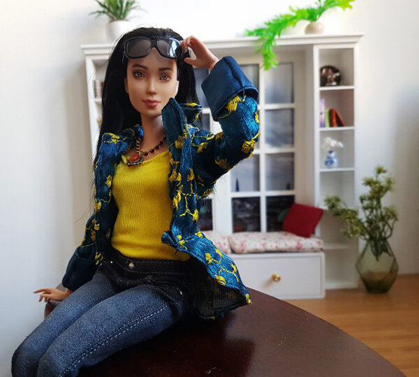 OOAK Made to Move Black Hair Barbie, Eve, Plastically Perfect - OOTD winter blues and summer yellow 02.jpg