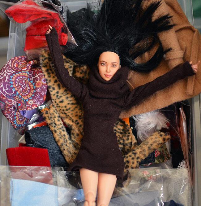 Plastically Perfect - Barbie Diorama - Playscale Wardrobe 01.jpg