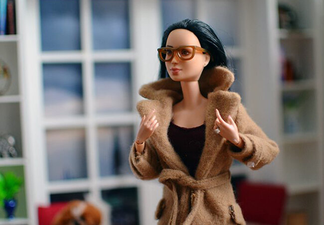 OOAK Made to Move Black Hair Barbie, Eve, Plastically Perfect - OOTD - Camel Trench 02.jpg