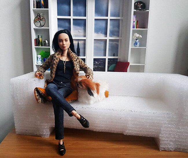 Plastically Perfect - Barbie Diorama - Playscale Upcycle Couch DIY 03.jpg
