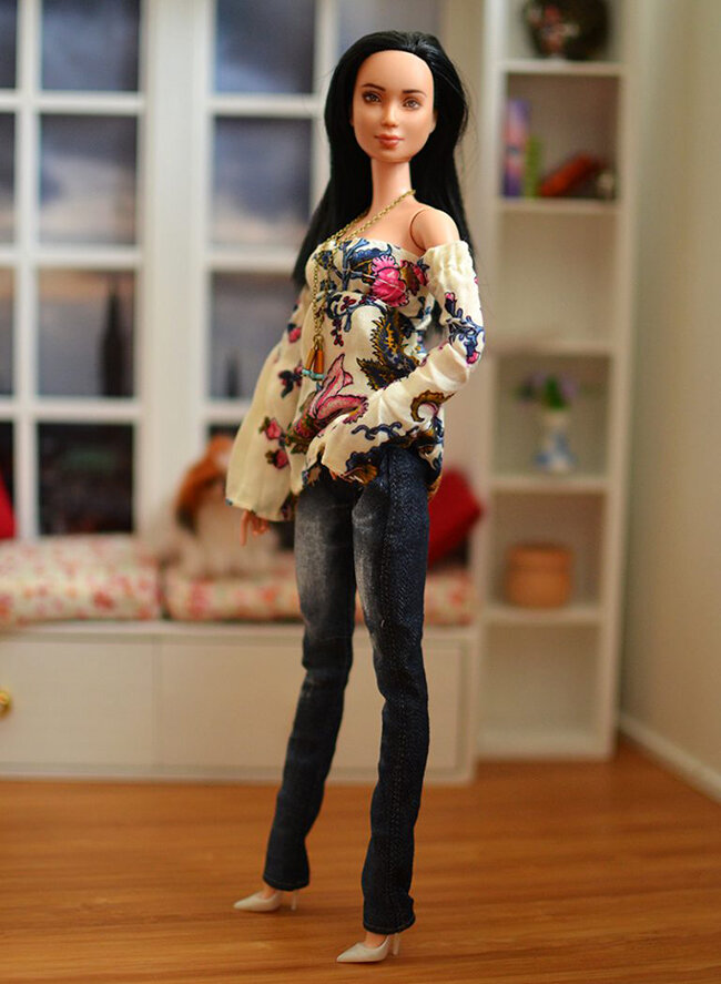 OOAK Made to Move Black Hair Barbie, Eve, Plastically Perfect - OOTD - DIY sewing floral romantic blouse 01.jpg