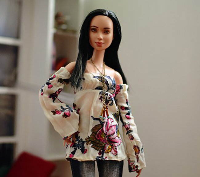 OOAK Made to Move Black Hair Barbie, Eve, Plastically Perfect - OOTD - DIY sewing floral romantic blouse 03.jpg