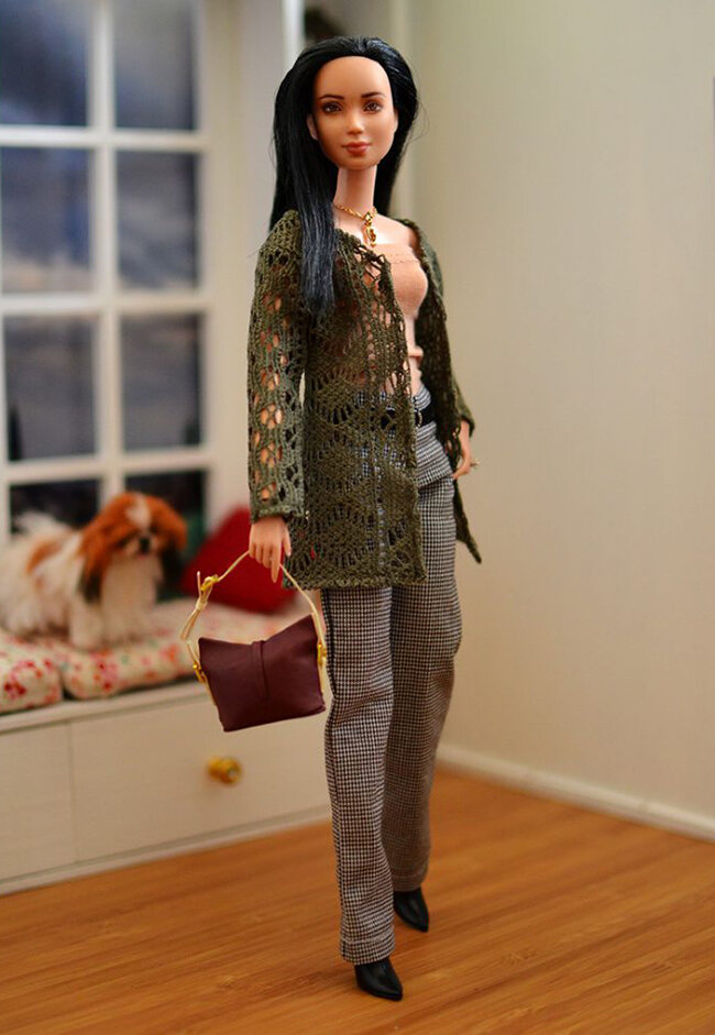 OOAK Made to Move Black Hair Barbie, Eve, Plastically Perfect - OOTD - Forest Green Cardigan 01.jpg