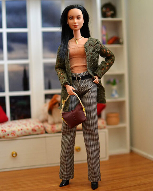 OOAK Made to Move Black Hair Barbie, Eve, Plastically Perfect - OOTD - Forest Green Cardigan 03.jpg