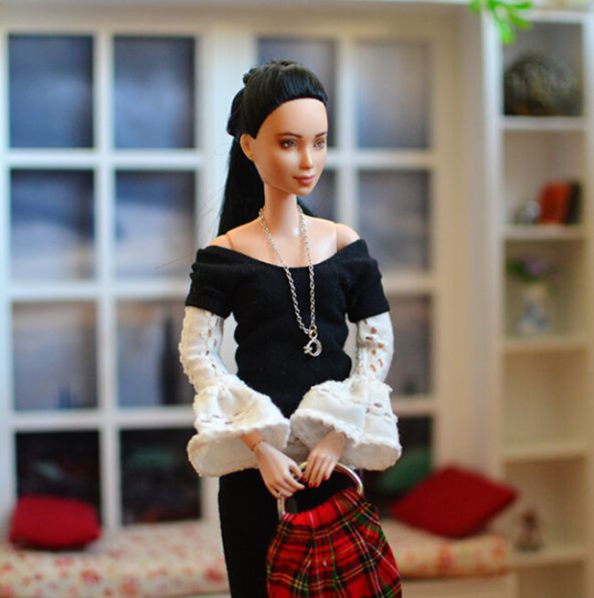 OOAK Made to Move Black Hair Barbie, Eve, Plastically Perfect - OOTD - Basic Monochrome Layers 02.jpg
