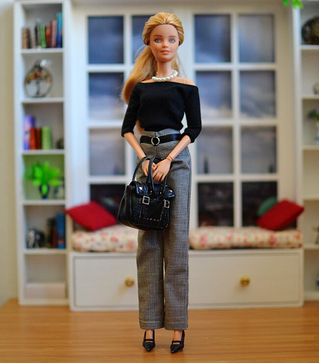 OOAK Fashionista Barbie, Willow, Plastically Perfect - OOTD capsule wardrobe outfit 01.jpg