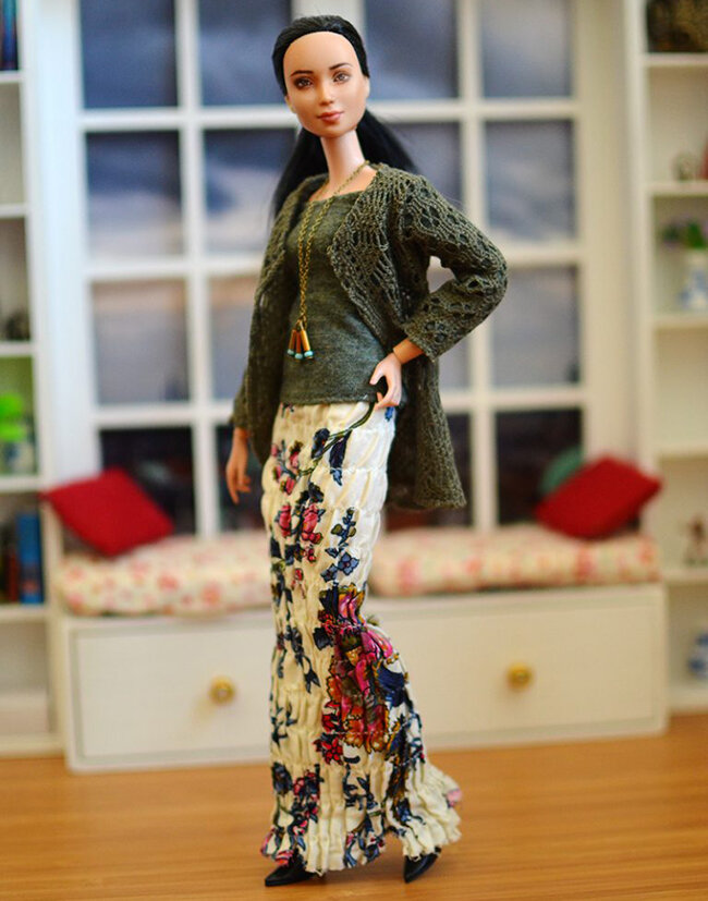 OOAK black hair made to move Barbie, Eve, Plastically Perfect - OOTD capsule wardrobe outfit 6, pic 01.jpg