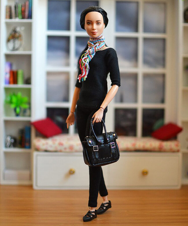 OOAK black hair made to move Barbie, Eve, Plastically Perfect - OOTD capsule wardrobe outfit 7 pic 01.jpg