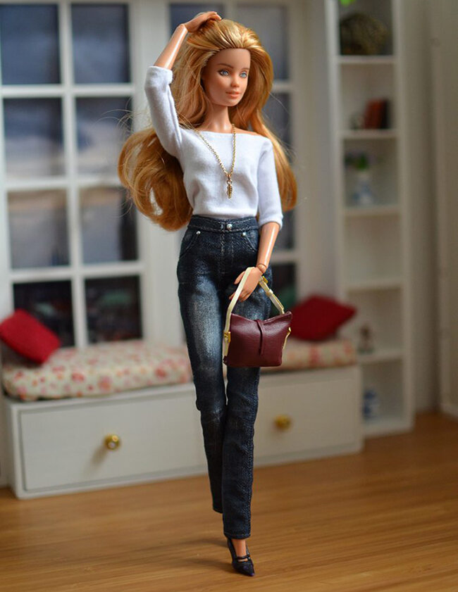 OOAK blonde hair fashionista festival Barbie, Willow, Plastically Perfect - OOTD capsule wardrobe outfit 8 pic 01.jpg