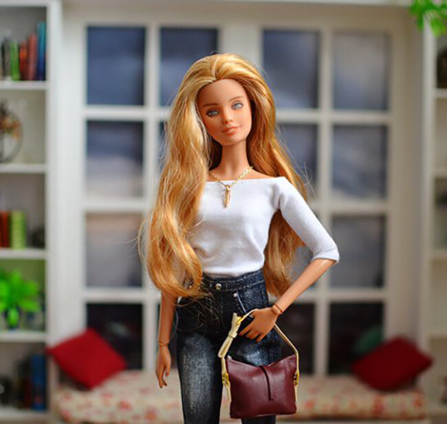 OOAK blonde hair fashionista festival Barbie, Willow, Plastically Perfect - OOTD capsule wardrobe outfit 8 pic 02.jpg