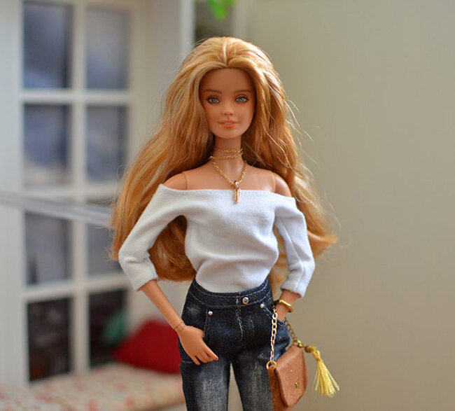 OOAK blonde hair fashionista festival Barbie, Willow, Plastically Perfect - OOTD capsule wardrobe outfit 8 pic 04.jpg