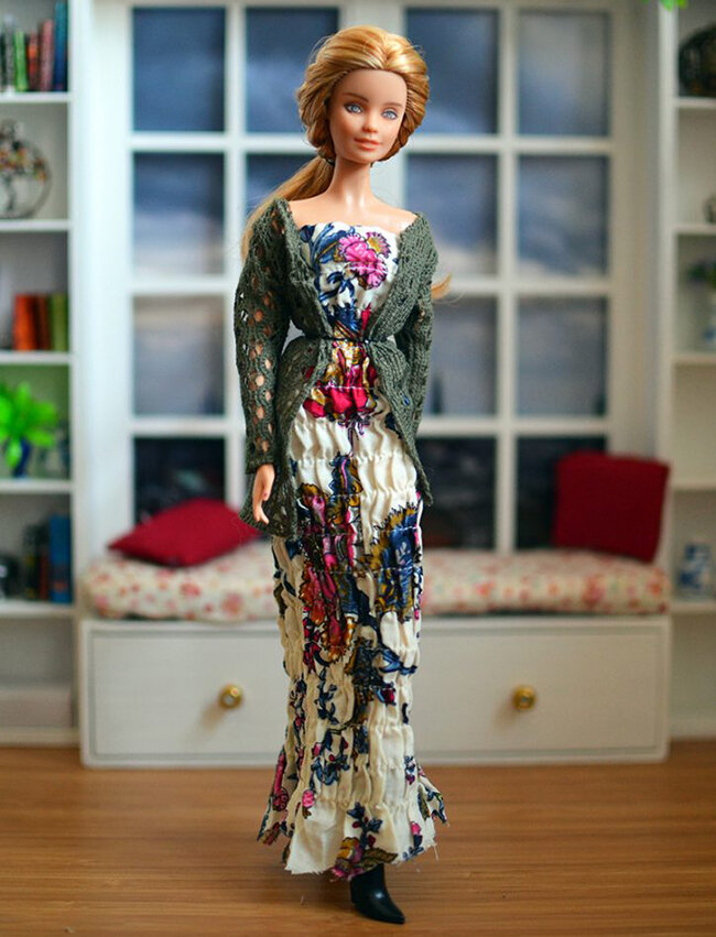OOAK fashionista festival barbie - Plastically Perfect - OOTD capsule wardrobe outfit 10 pic 01.jpg