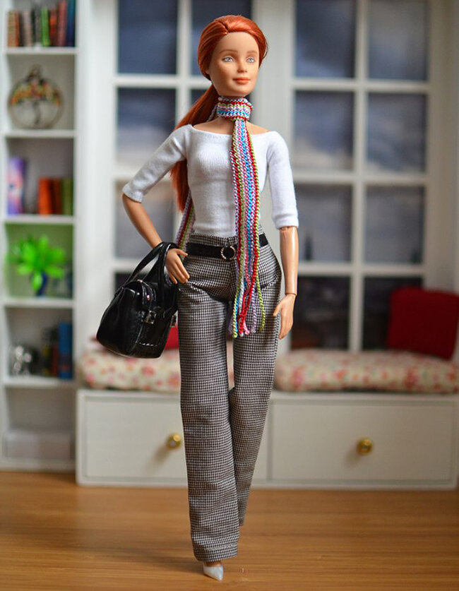 OOAK redhead made to move barbie - Plastically Perfect - OOTD capsule wardrobe outfit 11 pic 01.jpg