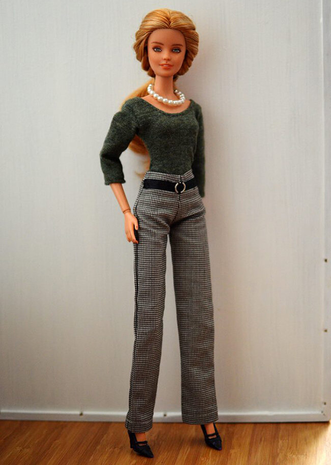 OOAK repainted Fashionista Barbie, Willow, Plastically Perfect - OOTD capsule wardrobe outfit 14, pic 02.jpg