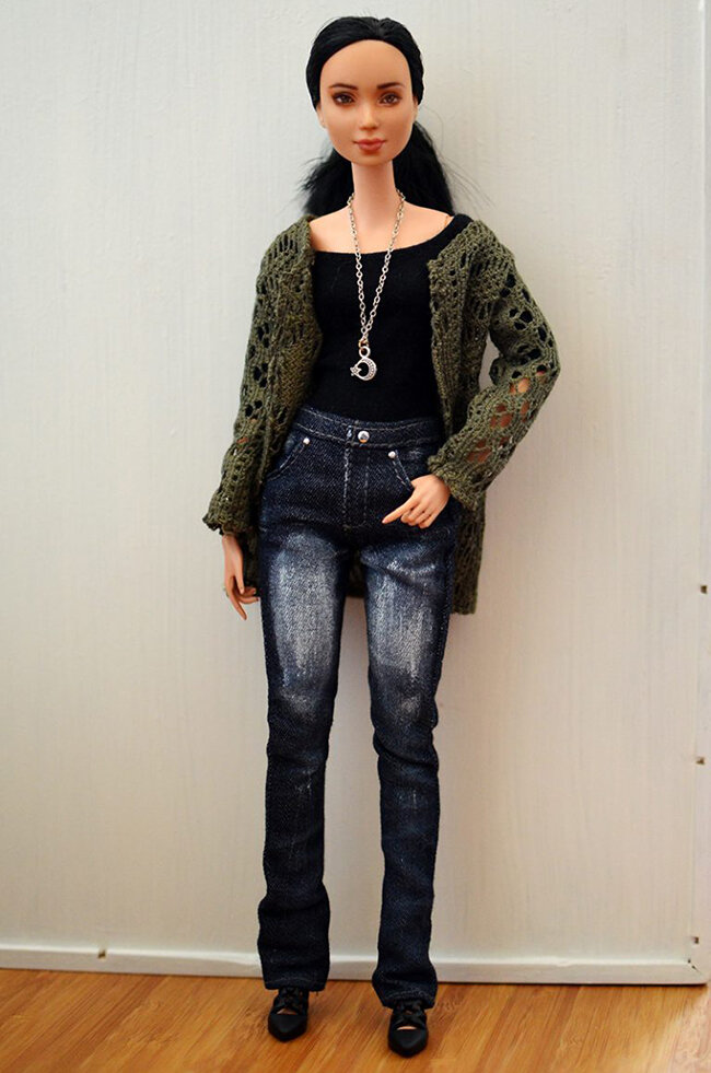 OOAK repainted made to move Barbie, Eve, Plastically Perfect - OOTD capsule wardrobe outfit 16, pic 02.jpg