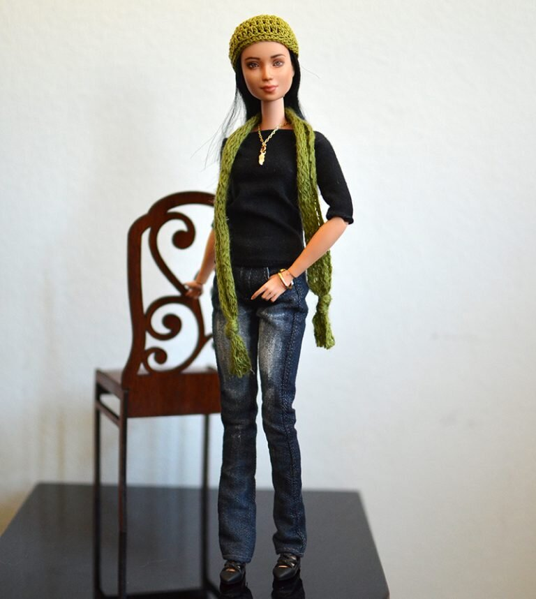 OOAK barbie made to move repaint - Plastically Perfect - OOTD capsule wardrobe outfit 21, pic 01.jpg