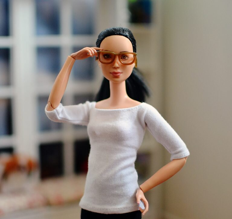 OOAK barbie made to move repaint - Plastically Perfect - OOTD capsule wardrobe outfit 23, pic 02.jpg
