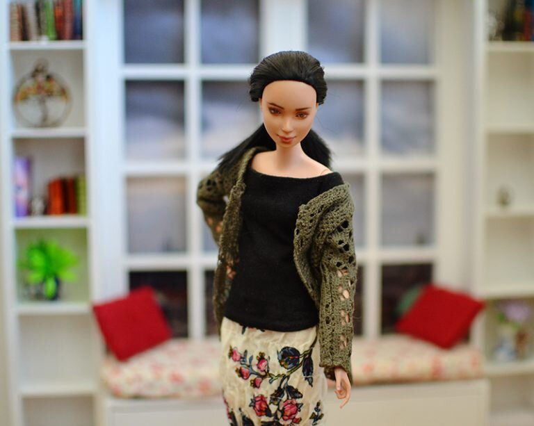 OOAK barbie made to move repaint - Plastically Perfect - OOTD capsule wardrobe outfit 24, pic 02.jpg