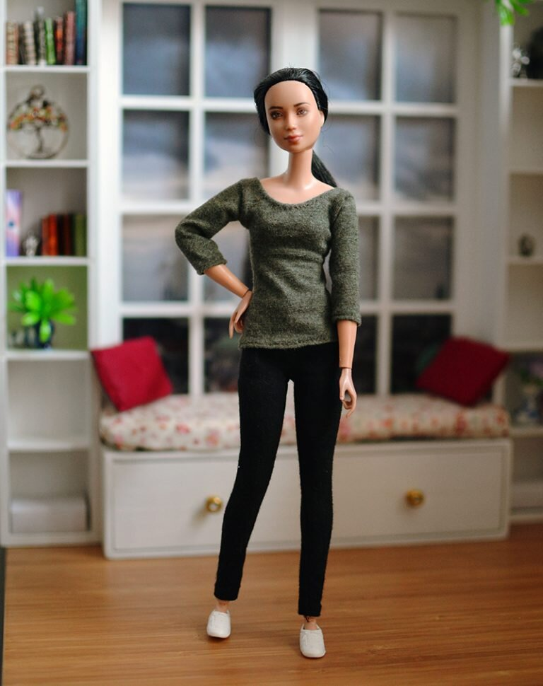 OOAK barbie made to move repaint - Plastically Perfect - OOTD capsule wardrobe outfit 25, pic 01.jpg