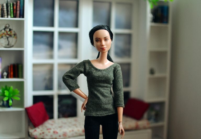 OOAK barbie made to move repaint - Plastically Perfect - OOTD capsule wardrobe outfit 25, pic 02.jpg