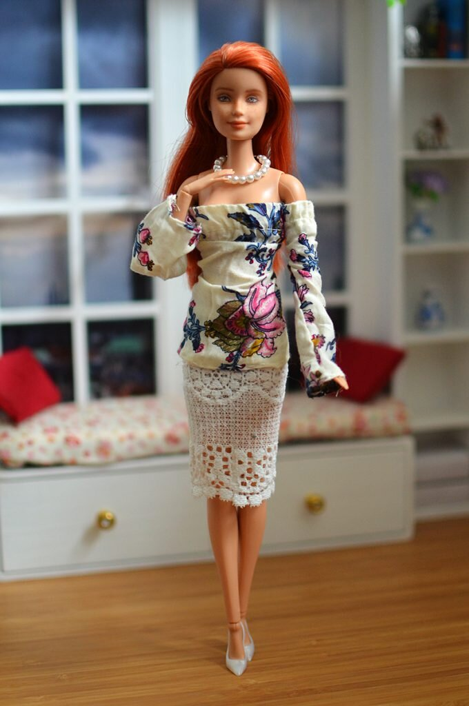OOAK barbie red hair made to move repaint - Plastically Perfect - OOTD capsule wardrobe outfit 27, pic 01.jpg