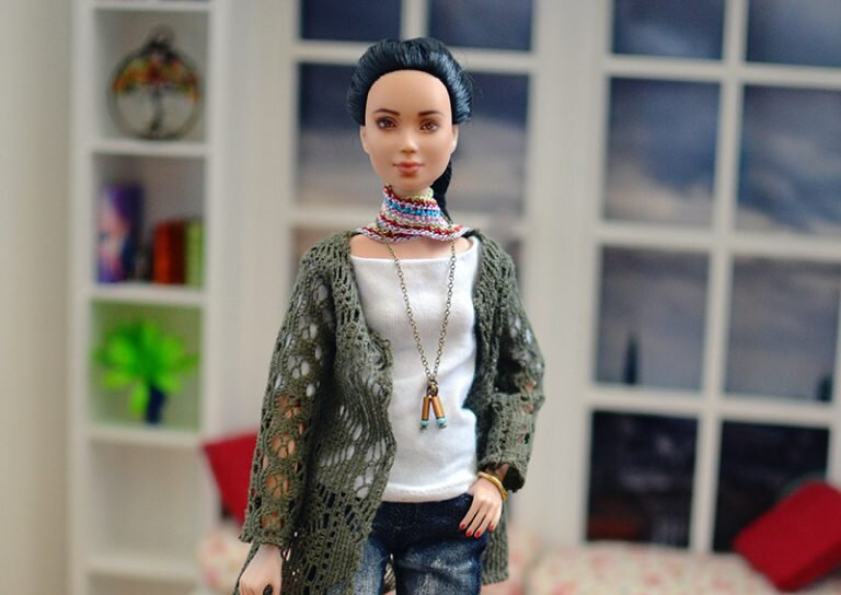 OOAK barbie black hair made to move repaint - Plastically Perfect - OOTD capsule wardrobe outfit 30 pic 02.jpg