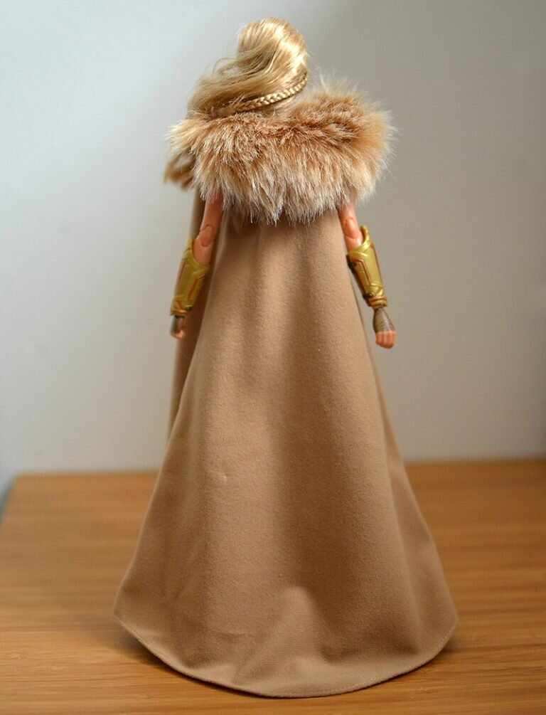 Plastically Perfect - Playscale Enthusiast Doll Review - 2017 Black Label Queen Hippolyta Barbie 13.jpg