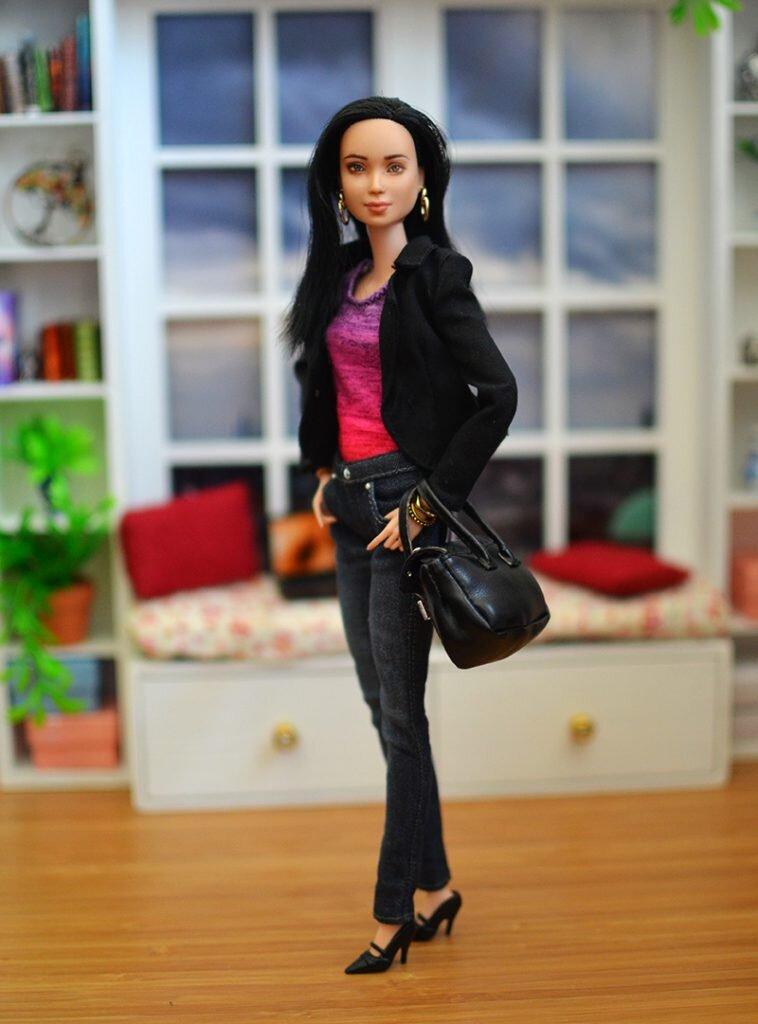 OOAK-Repainted-Black-Hair-Made-to-Move-Barbie-OOTD-Black Blazer with Jeans 06.jpg