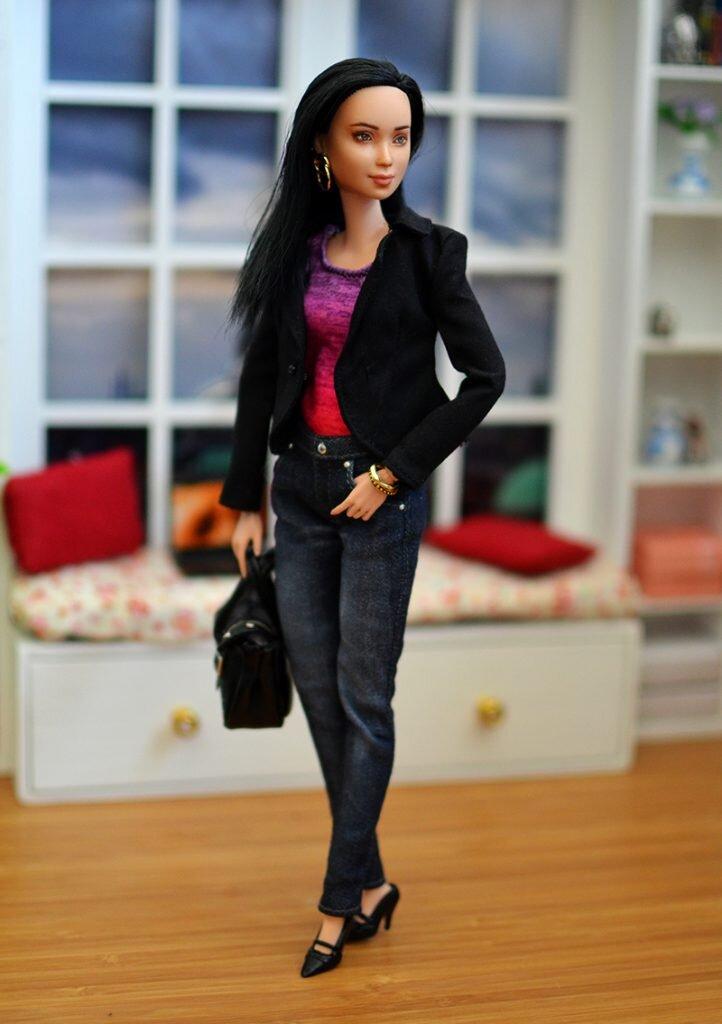 OOAK-Repainted-Black-Hair-Made-to-Move-Barbie-OOTD-Black Blazer with Jeans 04.jpg